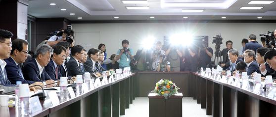 1일 열린 수출상황점검회의. [중앙포토]