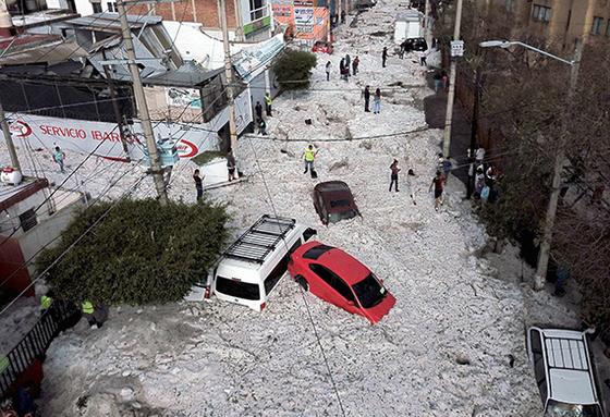 멕시코 우박, 건물 200채 파손