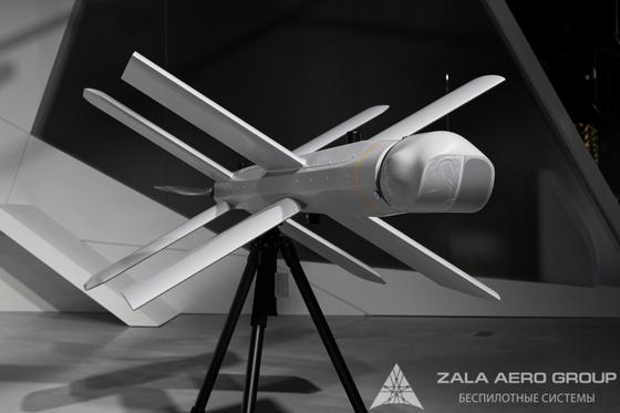 ZALA 란셋 공격용 드론은 자체 정찰, 항법, 통신모듈은 물론 최대 40km 반경 내에서 '정밀 공격'을 수행할 수 있는 3kg의 페이로드까지 갖추고 있다. 기존 모델과 달리 목표물이 파괴될 때까지 드론으로부터 연속적으로 영상을 수신할 수 있다. [사진 잘라에어로]