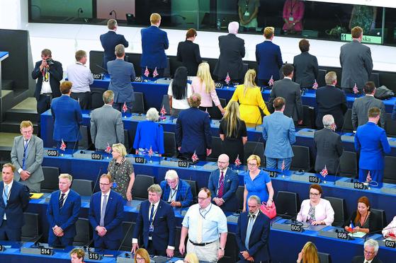 유럽의회 개원식 ... 등 돌린 영국 브렉시트당