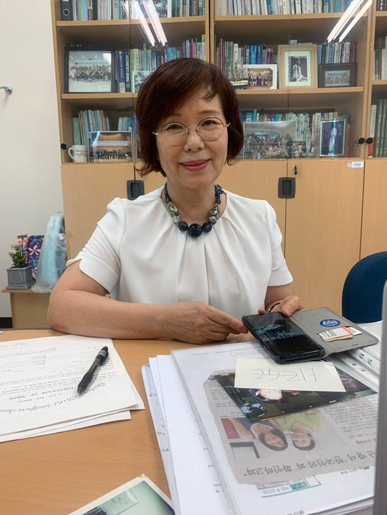 박경민 교수가 입양인들에 대해 이야기 하고 있다. 김윤호 기자