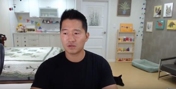 강형욱 대표는 자신의 유튜브 채널에서 개 물림 사고에 대한 생각을 밝혔다. [사진 유튜브 캡쳐]