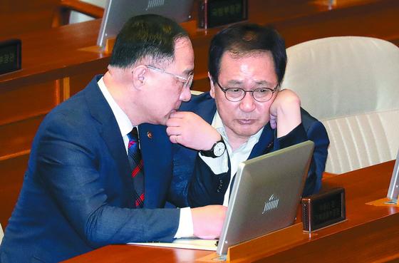 당·정·청 급하게 대응 나섰지만…뾰족한 카드 안 보인다