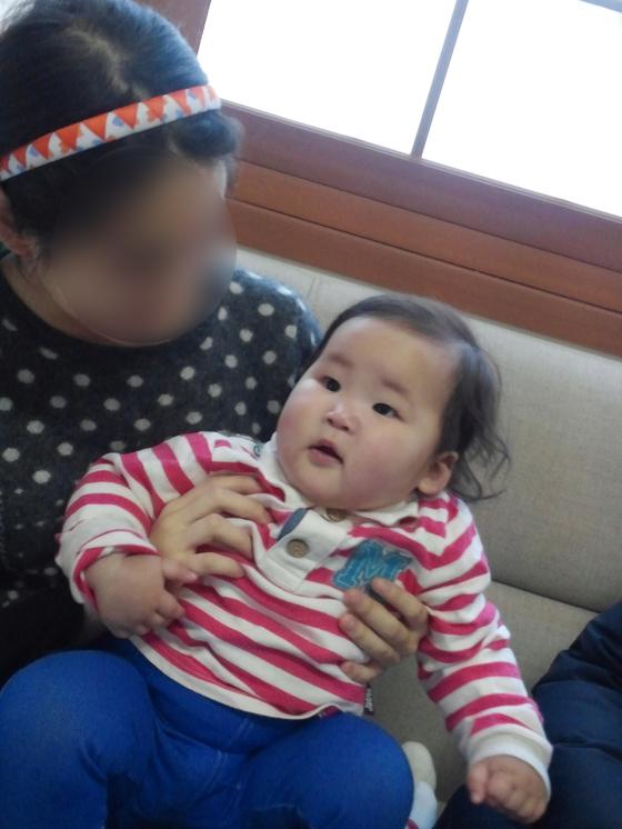 아기를 처음 만난 날. 제주 애서원에서. [사진 배은희]