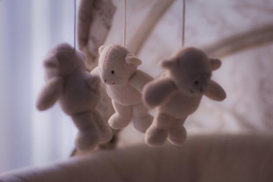아기를 만나러 애서원에 갔던 날을 잊지 못한다. 여러 감정이 혼합돼 잠도 이루지 못하고 애꿎은 아기 옷가지와 곰인형을 만지작거렸다. [사진 pixabay]
