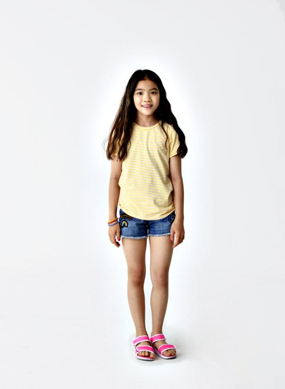 원피스형 수영복을 여러 벌 소장하고 있는 이수안 학생모델이다. 이번 여름을 앞두고 새로운 수영복 착용에 도전하기로 했다. 이 학생모델은 어떻게 변신할까.