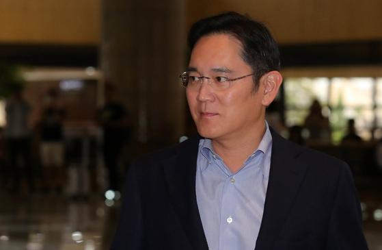 """이재용 靑 행사 불참하나…""""11일까지 일본 체류"""" 日매체 보도"""
