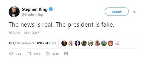 """미국 소설가 스티븐 킹의 트위터 화면. 트럼프 대통령을 """"가짜 대통령""""이라고 지목하는 등 비난해왔다. [사진 트위터]"""