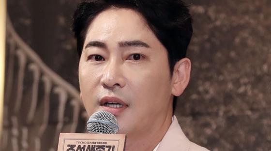 성폭행 등 혐의로 9일 긴급체포된 배우 강지환. [중앙포토]