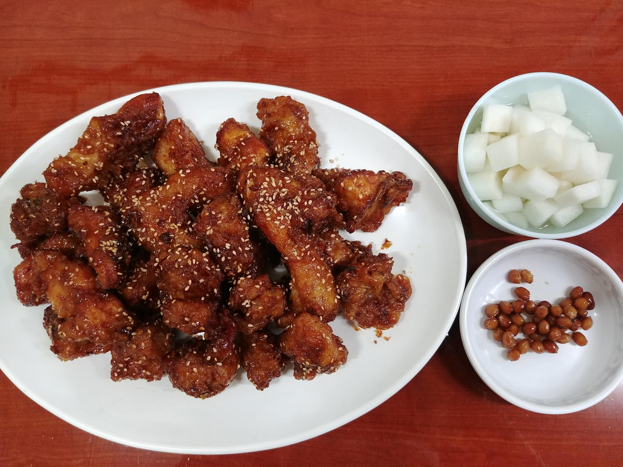 뉴욕 통닭은 하루 닭 80마리만 튀긴다. 양념 치킨이 유명하다. [사진 대구관광뷰로]