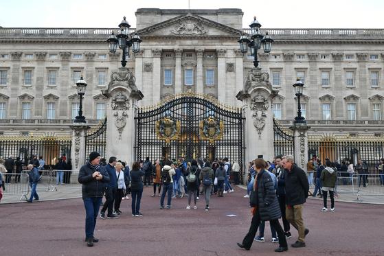 영국 여왕이 사는 버킹엄 궁전의 모습. [AP=연합뉴스]