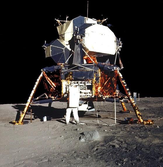 1969년 달에 내린 아폴로 11호의 착륙선 이글호의 모습.[사진 NASA]
