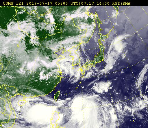 천리안 위성으로 본 17일 오후 2시 기준 태풍 다나스의 모습. 사진 아래 필리핀 북부 지역을 중심으로 태풍이 발달해 있다. [기상청 제공]