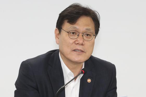 최종구 금융위원장이 최근 사의를 표명했다고 18일 밝혔다. [연합뉴스]