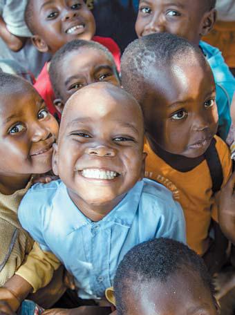 아프리카 국가 말라위의 좀바 지역 어린이들. 이곳은 식량·식수가 부족해 NGO들이 아동의 생계·교육을 지원한다. [사진 세이브더칠드런]