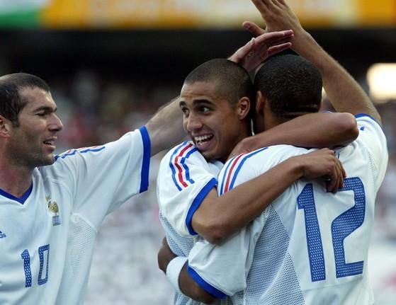 2002월드컵 당시 프랑스대표팀 일원으로 한국을 찾은 다비드 트레제게(가운데). [중앙포토]
