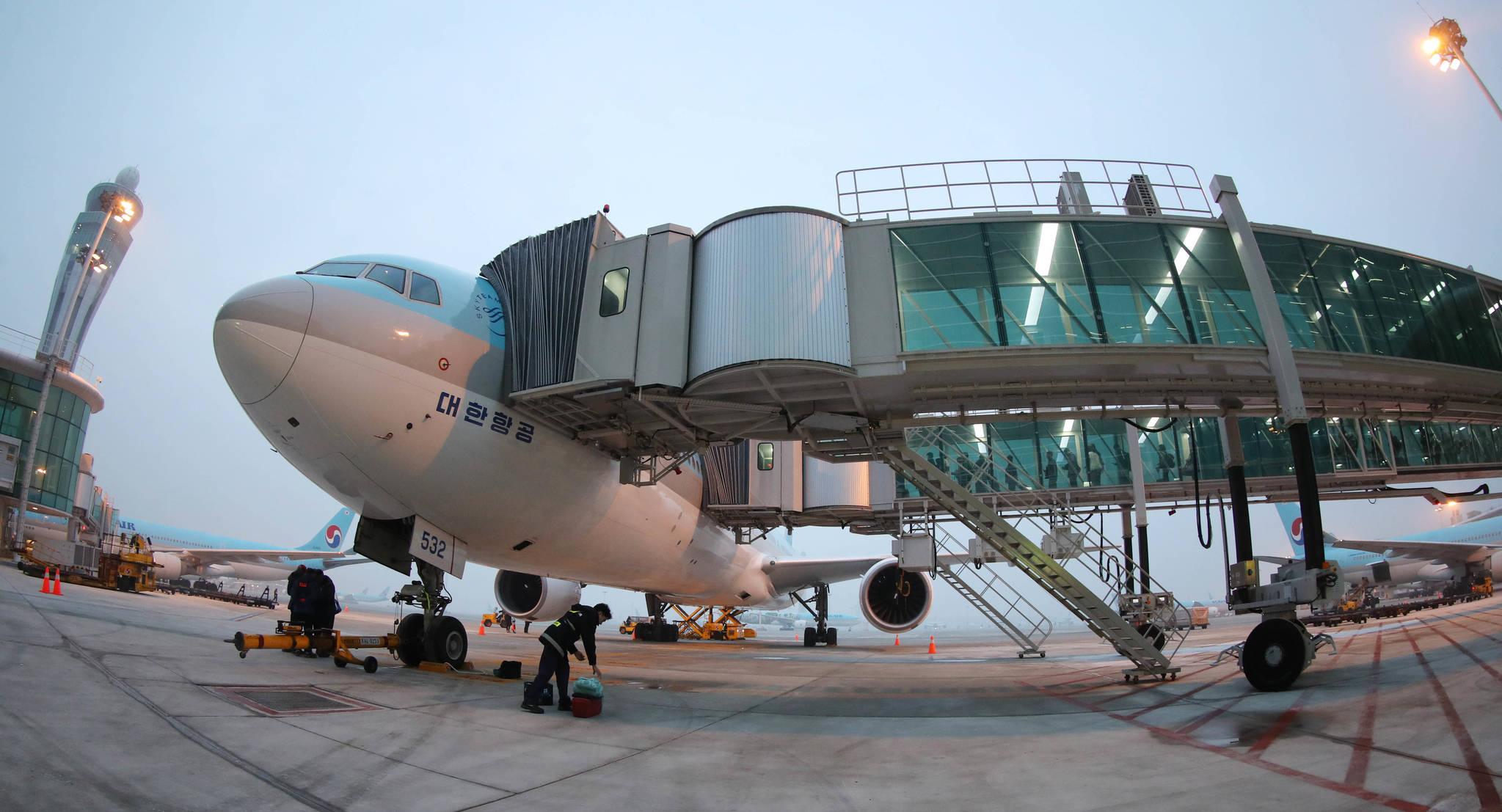 """갑자기 """"내려달라""""는 승객이 있을 경우 비행기는 대부분 다시 출발 게이트로 돌아온다. [중앙포토]"""