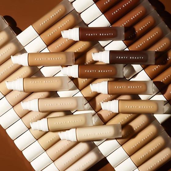 펜티 뷰티는 '포괄성', '다양성'을 브랜드 모토로 삼는다. 어떤 피부 톤의 여성도 만족할 수 있는 40종류 색의 파운데이션을 선보인다. [사진 펜티 뷰티 인스타그램]