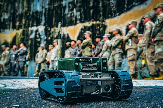 미군이 공개한 정찰용 소형 로봇. [사진 미 제2 보병사단]