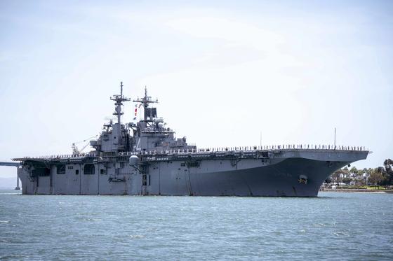 이란 무인정찰기를 격추한 미 해군 복서함 [AP=연합뉴스]