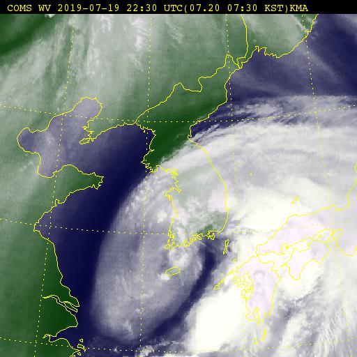 천리안 인공위성이 촬영한 태풍 다나스(20일 오전 7시30분). [사진 기상청]