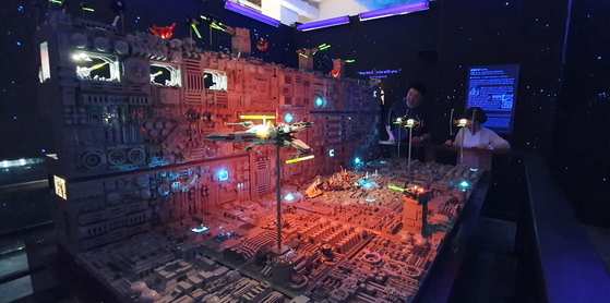 레고로 만든 스타워즈 데스스타 볼 수 있다…브릭캠퍼스 서울 둘러보니