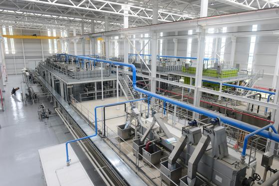 대구 국가물산업클러스터 내 실증 플랜트. 24시간 연속 수돗물 생산과 오·폐수 처리, 물 재이용 실험이 가능한 시설로 하루 1000~2000㎥의 물을 처리할 수 있다. [사진 한국환경공단]