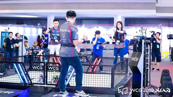 지난 18일부터 21일까지 중국 시안에서 열린 WCG 2019에선 미래형 문화 콘텐트의 일환으로 '로봇 파이팅 챔피언십'이 진행됐다. [사진 스마일게이트]