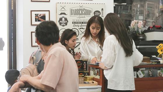 케이블 채널 MBC에브리원에서 본방송한 뒤 MBC에서 재방송하는 '세빌리아의 이발사'. [사진 MBC에브리원]