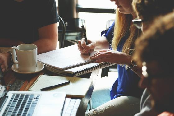 스타트업의 지속과 성장을 위해서는 기존에 있던 고객들을 유지하는 것이 가장 중요하다. 고객들의 재사용 분석을 통해 고객유지를 이끌어야 한다. [사진 pixabay]