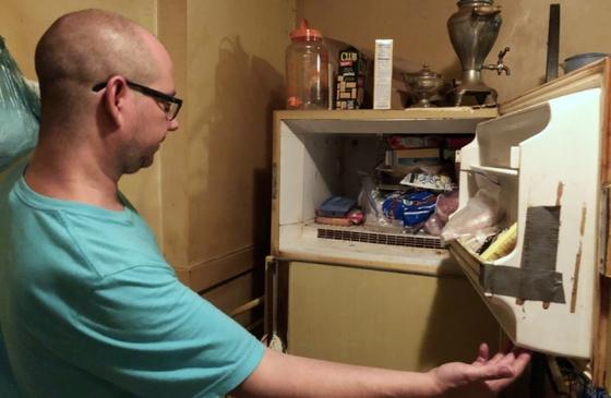 숨진 어머니 집 냉장고에서 미라화된 여아 사체 발견한 미국인 남성. [현지 지역 매체 KSDK 기자 Justina Coronel 트위터 캡처]