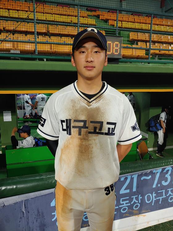 31일 대통령배 준결승전 부산고와 경기에서 결승타를 친 대구고 류현우. 박소영 기자