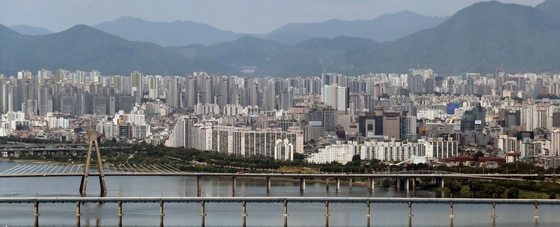 지난 6월27일 서울의 아파트 단지들 [뉴스1]