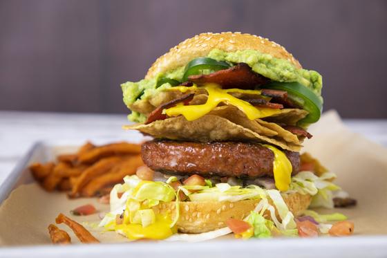 미국 비욘드 미트의 햄버거 제품. 육안으로는 일반 햄버거와 구분이 어렵다. [사진 비욘드 미트]