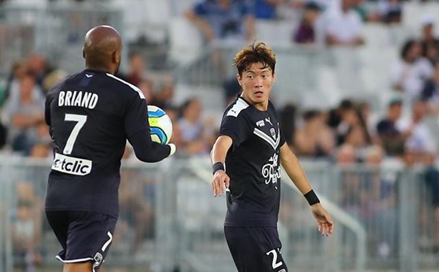 보르도 황의조는 5일 열린 제노아와의 프리시즌 경기에서 첫 골을 터뜨렸다. 황의조는 이날 선발출장해 61분간 그라운드를 누비며 활약했다.
