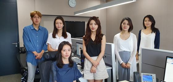 MBC 계약직 아나운서 7명은 지난달 16일 직장 내 괴롭힘을 당했다며 서울고용노동청에 사측을 신고했다. (사진 왼쪽부터) 김민호 박지민 이선영 안주희 정다희 정슬기 아나운서의 표정이 착잡하다. 장세정 기자