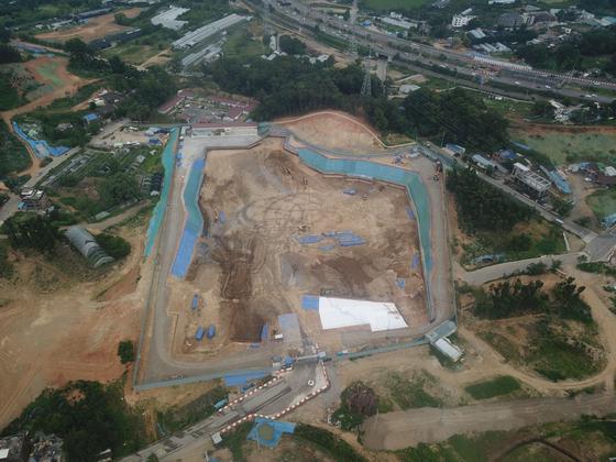 과천지식정보타운에서 대우건설컨소시엄이 착공해 짓고 있는 S6블록. 분양가심사위원회에서 업체가 신청한 가격보다 3.3㎡당 300만원 낮은 3.3㎡당 2205만원에 분양가를 결정했다.