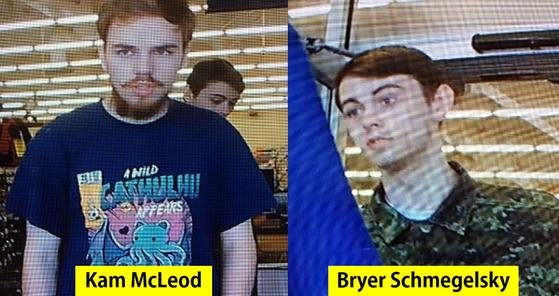 실종 소년으로 여겨졌다가 살인사건의 용의자로 지목된 19세 캠 맥리오드(왼쪽)와 18세 브라이어 슈메겔스키의 사진. [AFP=연합뉴스]