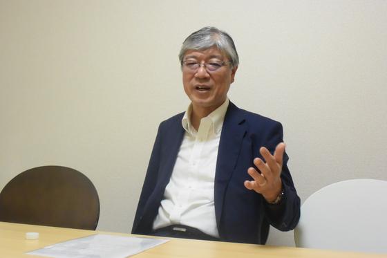 """일본을 대표하는 국제정치학자 나카니시 히로시 교토대 교수는 지난 6일 중앙일보와 인터뷰에서 """"내외 정세가 바뀌면 문 대통령과 아베 총리가 정책의 우선 순위를 바꾸면서 정치적 타협에 나설 수도 있다""""고 말했다. 서승욱 특파원"""