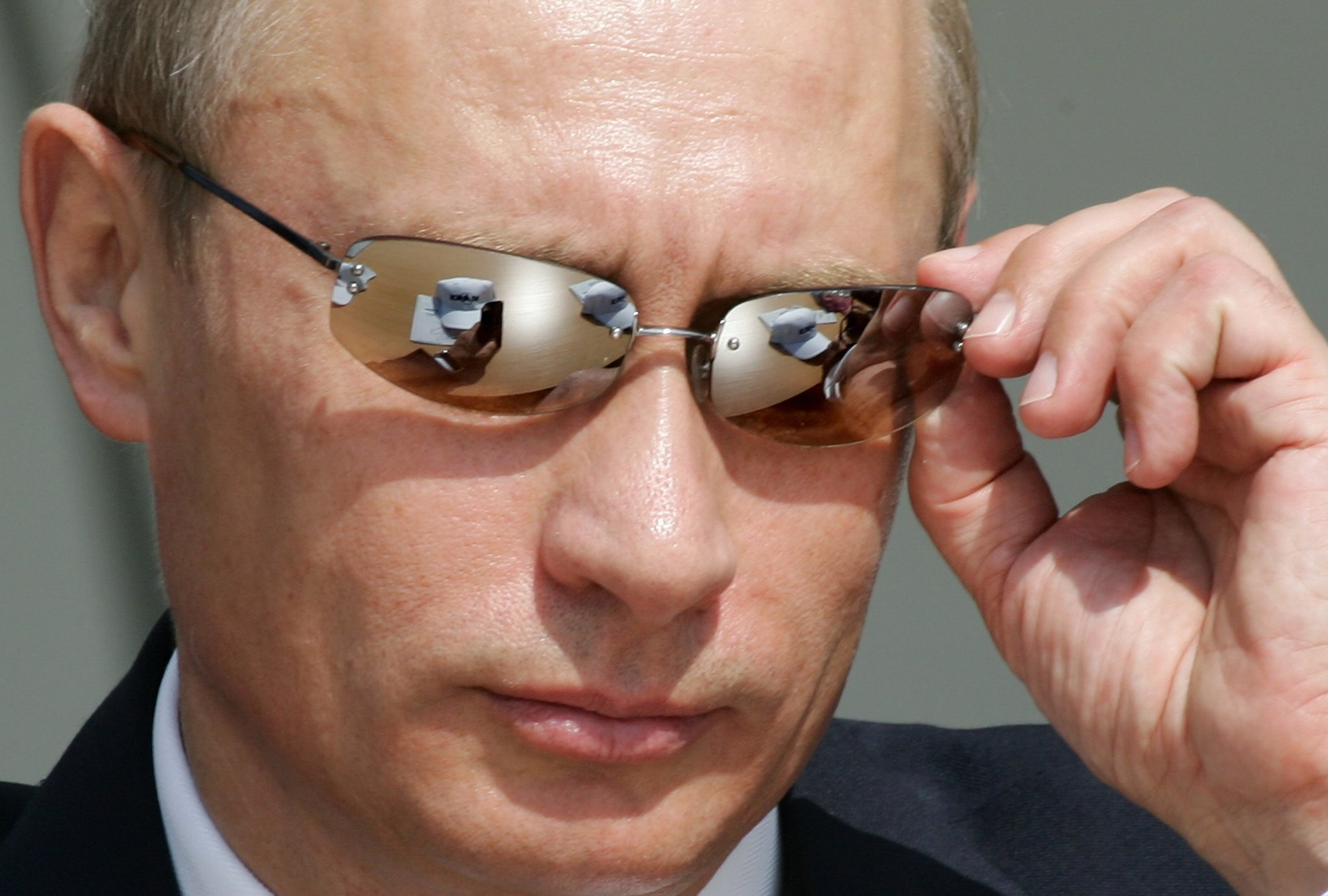 2005년 8월 16일, 러시아 주코프스키에서 열린 국제 에어쇼에 참가한 푸틴. [AFP=연합뉴스]