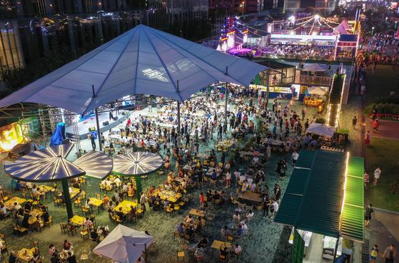 칭다오 맥주 축제 현장 사진