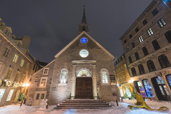 플레이스 로열은 프랑스 영향이 짙게 남아 있는 광장이다. 오래된 석조 교회도 있다. [사진 캐나다관광청]