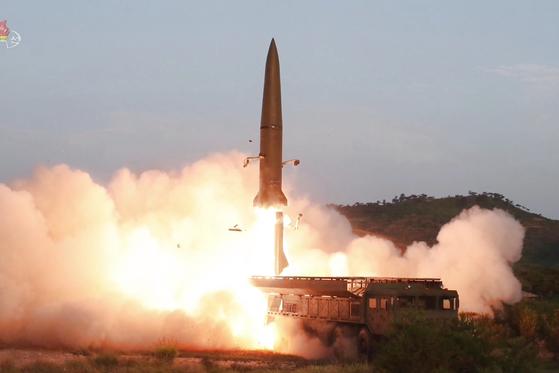 지난 7월 26일 조선중앙TV가 보도한 신형전술유도무기(단거리 탄도미사일) 발사 모습. [연합뉴스]