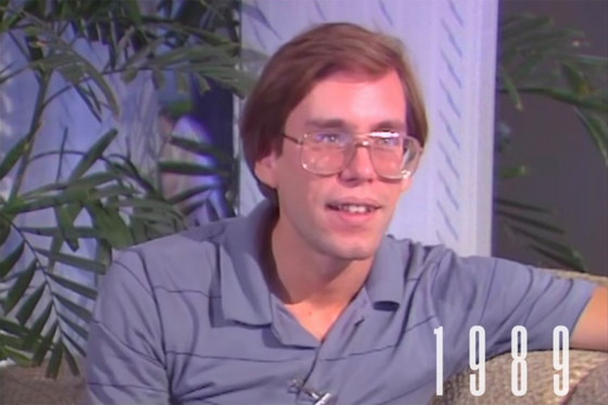 1989년 11월 TV 인터뷰에서 얼굴과 실명을 공개한 밥 라자르 [사진 넷플릭스]