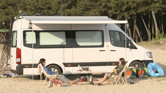 핑클 '완전체'의 캠핑 여행으로 화제가 된 JTBC '캠핑클럽'.