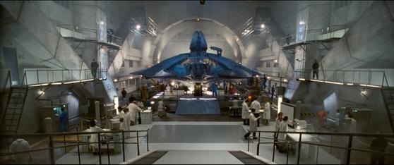 영화 '인디펜던스 데이'에 나온 51구역. 이 영화에선 미군이 로즈웰 사건으로 얻은 외계인의 시체와 추락한 UFO를 51구역에 보관하고 있다고 설정하고 있다. [자료 20세기 폭스]