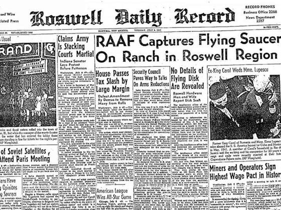 미 육군 항공대가 로즈웰에 추락한 비행접시를 수거했다는 1947년 7월 8일자 로즈웰 데일리 레코드 지면 [사진 NASM]