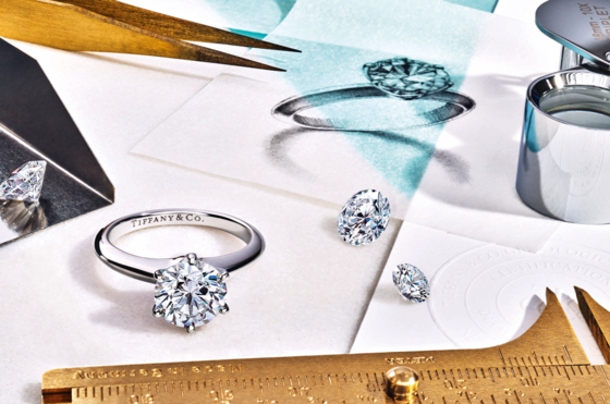 138년 동안 디자인 변화 없이 스테디셀러로 사랑받고 있는 '티파니 세팅' 링. 6개의 플래티넘 프롱이 다이아몬드를 공중에 띄운 디자인으로 유명하다. [사진 티파니]