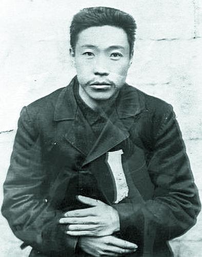 초대 조선 통감으로 침략의 설계사이던 이토 히로부미를 1909년 10월 26일 하얼빈 역에서 사살한 안중근 의사의 옥중 모습.[중앙포토]