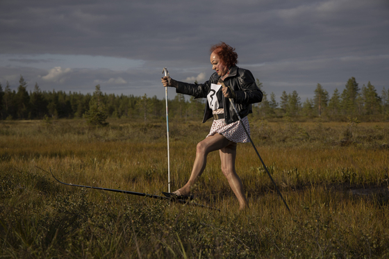 12일(현지시간) 핀란드 늪 스키대회에 참가한 푸다샤르비 마을 주민.. [신화=연합뉴스]